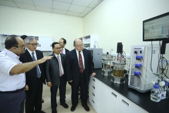 Prof Dr Hesham is briefing the research activities carried out in the joint laboratory.