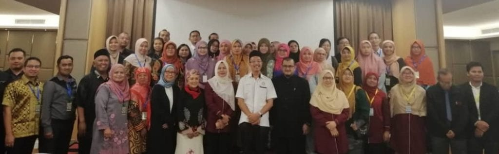 YB Dr. Sulaiman, State Assemblyman for Kemelah, Johor together with the honoured guests and participants at ICSSMA 2019