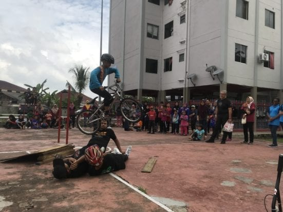 The extreme cycling demonstration by BMX team