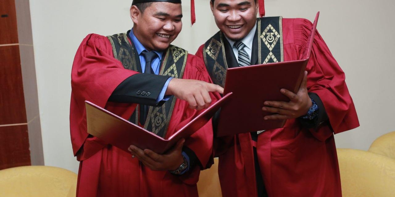 Dua Pasangan Suami Isteri dan Sepasang Kembar Warnai Hari Kedua Majlis Konvokesyen UTM ke-63