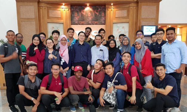 First Year Electrical Engineering Students Visited V. S. Electronics Sdn. Bhd.