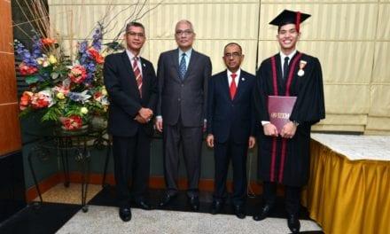 3 Generasi Setia Bersama UTM, Azhad Penyambung Legasi Tan Sri Ainuddin Wahid di UTM