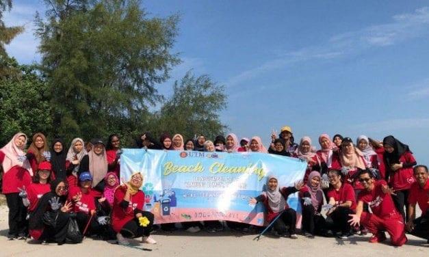 Mahasiswa UTM Beri Kesedaran 'Zero Waste' Melalui Program Pembersihan Pantai