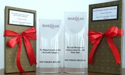 UTM menang dua anugerah di Majlis Apresiasi Pelanggan BIMB