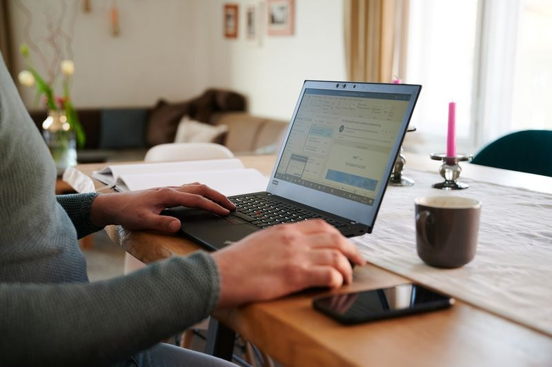 Bekerja dari rumah ada pro dan kontra – Staf UTM