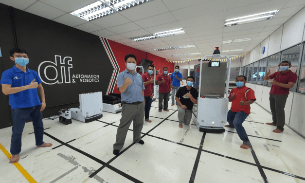 UTM, HCTM & DF Automation Develop Hospital Delivery Robot 'Makcik Kiah 19' to ace Covid-19