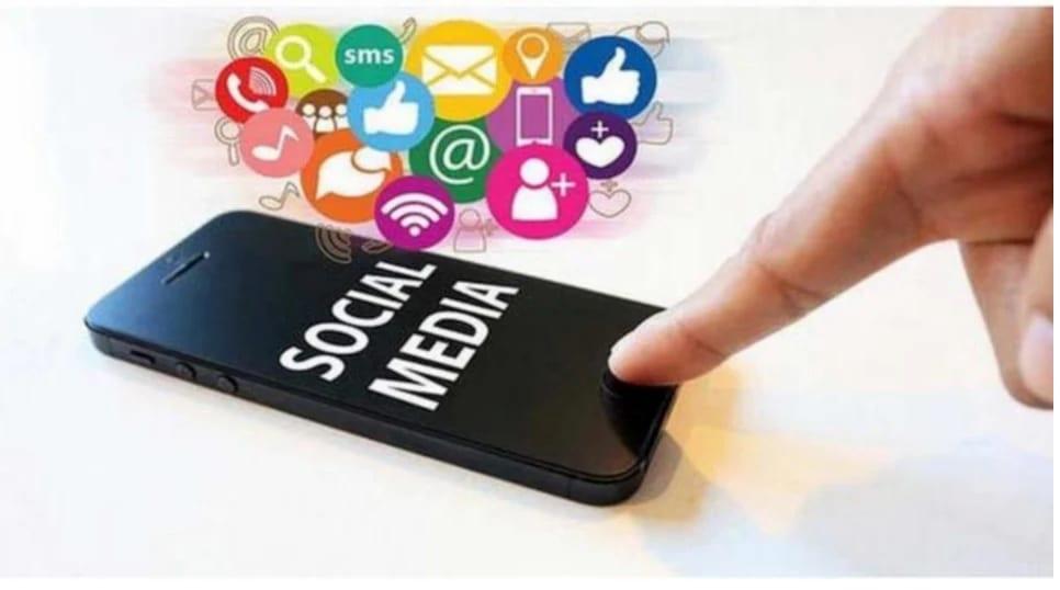 Penjarakan Media Sosial: Meratakan Lengkung Infodemik COVID-19