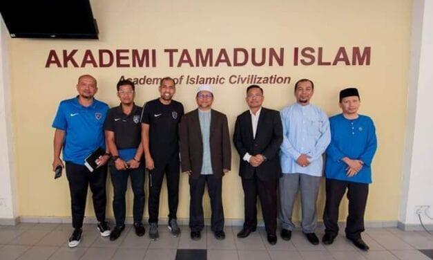Fakulti Sains Sosial dan Kemanusiaan UTM Bantu Membentuk Atlet Muslim yang Cemerlang
