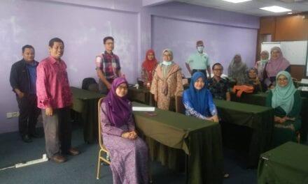 Peserta Bengkel Penulisan Komited untuk Hasilkan 300 Kandungan dalam People@UTM