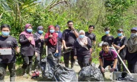 UTM Lancar Projek Pembangunan Peranti Perangkap Sampah Marin bagi Melindungi Hutan Paya Bakau