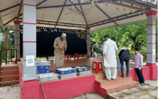 Distribution Nasi Arab at Kolej Perdana